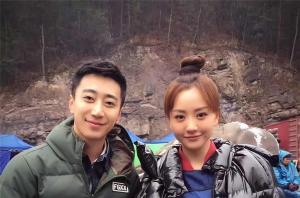 青年演员杨蓉与悦风美妆刘巍老师在横店影视城