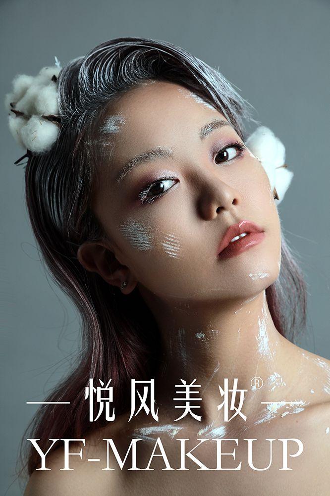 冰雪妆容 来自冬季大自然的馈赠